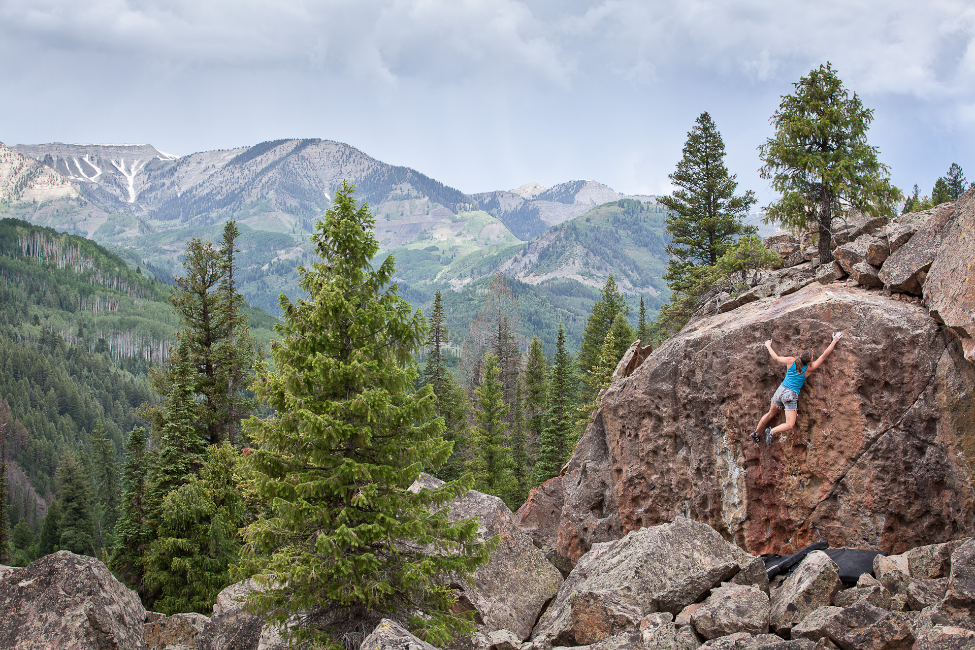 Bouldering in the Elk Mountains